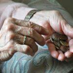 Treba li penzioneri da izdržavaju penzionere?